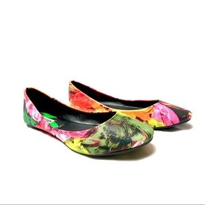 Steve Maddens water color flats size 8.5M